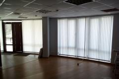 Установленные в офисе вертикальные жалюзи в Краснодаре